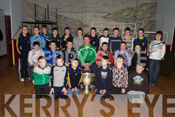 "The Beaufort U12 county league and Mid Kerry ""B"" champions who received their medals from Kerry star Donnacha Walsh, in the Beaufort community centre on Saturday night were Ronan Brosnan, Jonathan Kissane, Padraig Cronin, Paul Murphy, Luke Sweeney, Glenn O'Sullivan, Ronan Curran, Ciaran Kennedy, Darragh Curran, Ryan Sweeney, Cliona Coffey, Marie O'Shea, Conor Cronin, Aaron Foley, Kevin Coffey, Mike Breen, Mike Healy, Cian O'Sullivan, Brian Coffey, Keith Moloney, Cormac O'Connor, Sean Kelliher and John William O'Donoghue.."