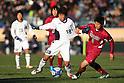 (L to R) Daiki Tamura (Yokkaichi Chuo Kogyo), Shotaro Sato (Shoshi), JANUARY 7, 2012 - Football /Soccer : 90th All Japan High School Soccer Tournament semi-final between Shoshi 1-6 Yokkaichi Chuo Kogyo at National Stadium, Tokyo, Japan. (Photo by YUTAKA/AFLO SPORT) [1040]