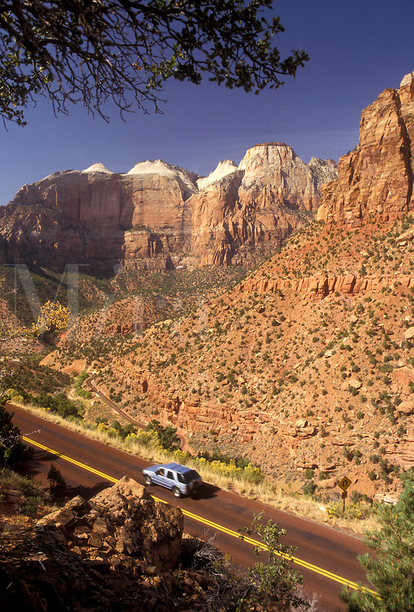 AJ3830, Zion, Zion National Park, Utah, Scenic view of Mt. Carmel Highway in Zion Nat'l Park in the state of Utah.