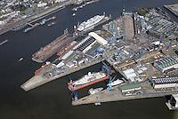 Blohm und Voss : EUROPA, DEUTSCHLAND, HAMBURG, (EUROPE, GERMANY), 20.04.2015: Blohm und Voss Hamburg groesse Werft im Hafen