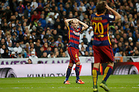 Barcelona´s Ivan Rakitic reacts during 2015-16 La Liga match between Real Madrid and Barcelona at Santiago Bernabeu stadium in Madrid, Spain. November 21, 2015. (ALTERPHOTOS/Victor Blanco) /NortePhoto