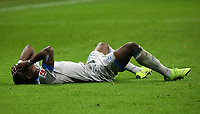Breel Embolo (FC Schalke 04) verletzt - 11.11.2018: Eintracht Frankfurt vs. FC Schalke 04, Commerzbank Arena, DISCLAIMER: DFL regulations prohibit any use of photographs as image sequences and/or quasi-video.