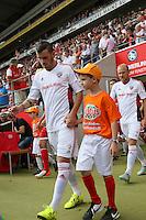 15.08.2015: Einlaufkinder des SC Dortelweil bei Mainz 05