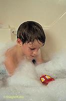 BH22-098x  Bubbles - child in bubble bath