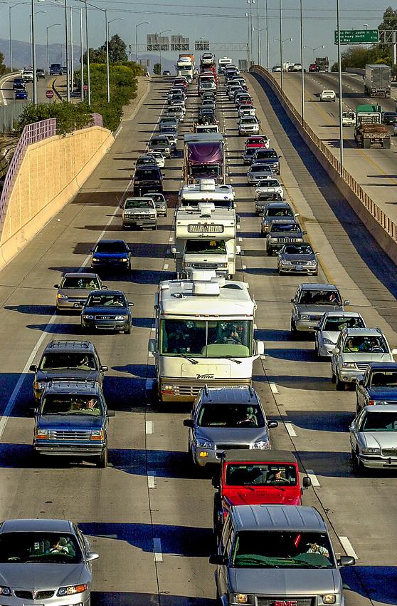 Westbound Interstate 10 traffic slows to a halt about 4 p.m.  (PHOTO: NORMA JEAN GARGASZ)