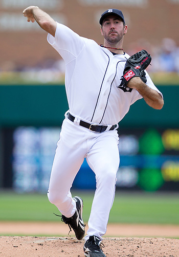 June 03, 2012:  Detroit Tigers pitcher Justin Verlander (35) delivers pitch during MLB game action between the New York Yankees and the Detroit Tigers at Comerica Park in Detroit, Michigan.  The Yankees defeated the Tigers 5-1.
