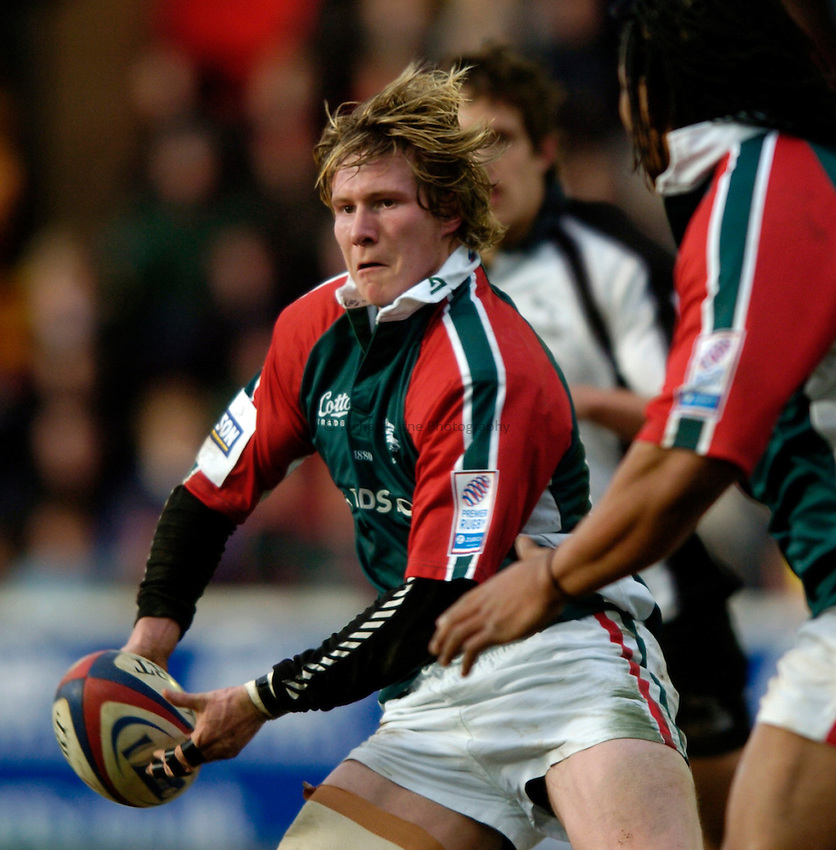 Photo: Richard Lane..Leicester Tiger v Newcastle Falcons. Zurich Premiership. 19/02/2005..Ollie Smith.