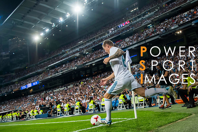Toni Kroos of Real Madrid in action during the Santiago Bernabeu Trophy 2017 match between Real Madrid and ACF Fiorentina at the Santiago Bernabeu Stadium on 23 August 2017 in Madrid, Spain. Photo by Diego Gonzalez / Power Sport Images