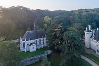 France, Indre-et-Loire (37), Rigny-Ussé, château et jardin d'Ussé en octobre, (vue aérienne), la chapelle