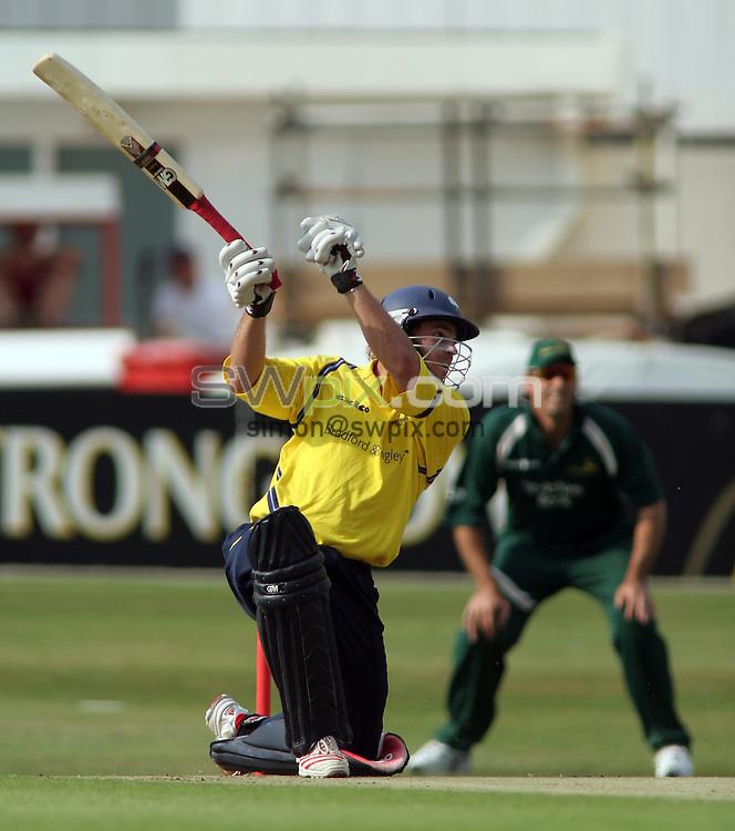 PICTURE BY VAUGHN RIDLEY/SWPIX.COM -  Cricket - Twenty20 Cup - Yorkshire v Nottinghamshire - Headingley, Leeds, England - 05/07/06...? Simon Wilkinson - 07811 267706...Yorkshire's Michael Lumb adds a run.