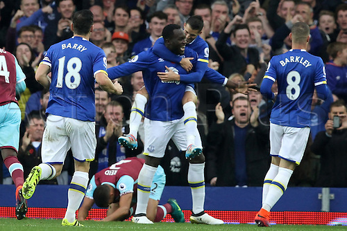30.10.2016. Goodison Park, Liverpool, England. Premier League Football. Everton versus West Ham United. Romelu Lukaku of Everton celebrates his goal with team mates