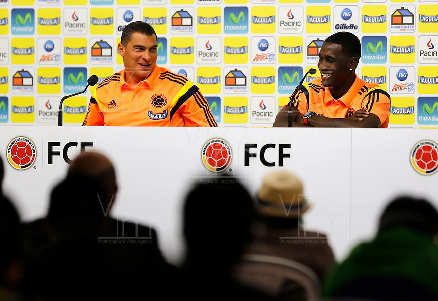 COTIA - BRASIL -21-06-2014. Foto: Daniel Jayo / Archivolatino<br /> Faryd Mondragon y Cristian Zapata jugadores de la selecci&oacute;n de f&uacute;tbol de Colombia en conferencia de prensa antes del entrenamiento, hoy 21 de junio de 2014, en el centro de entrenamiento de Sao Paulo FC en Cotia como parte de la Copa Mundial de la FIFA Brasil 2014./ Faryd Mondragon and Cristian Zapata players of Colombia National Soccer Team during the press conference before of the training, today June 21 2014, at Sao Paulo Fc training center in Cotia as part of the 2014 FIFA World Cup Brazil. Photo: Daniel Jayo / Archivolatino<br /> VizzorImage PROVIDES THE ACCESS TO THIS PHOTOGRAPH ONLY AS A PRESS AND EDITORIAL SERVICE IN COLOMBIA AND NOT IS THE OWNER OF COPYRIGHT; ANOTHER USE IS REPONSABILITY OF THE END USER. NO SALES, NO MERCHANDASING. ALL COPYRIGHT IS ARCHIVOLATINO. Photo: Daniel Jayo / Archivolatino