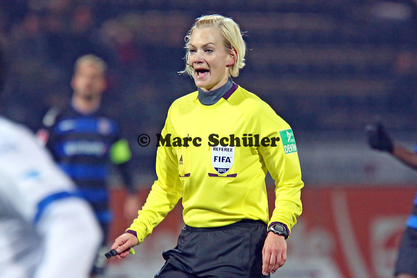 Schiedsrichterin Bibiana Steinhaus - FSV Frankfurt vs. Arminia Bielefeld, Frankfurter Volksbank Stadion