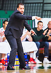 S&ouml;dert&auml;lje 2015-10-01 Basket Basketligan S&ouml;dert&auml;lje Kings - Uppsala Basket :  <br /> Uppsalas tr&auml;nare coach Kevin Gaines gestikulerar under matchen mellan S&ouml;dert&auml;lje Kings och Uppsala Basket <br /> (Foto: Kenta J&ouml;nsson) Nyckelord:  Basket Basketligan S&ouml;dert&auml;lje Kings SBBK T&auml;ljehallen Uppsala Seriepremi&auml;r Premi&auml;r portr&auml;tt portrait