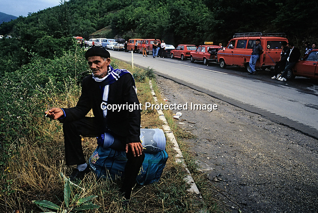 Ethnic Albanian refugees from Kosovo return from camps in Macedonia on June 21, 1999 near Blace, a border post in Macedonia. Tens of thousands of people fled the Serb terror campaign that was stopped by the international community in June 1999. (Photo by: Per-Anders Pettersson)