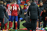 Atletico de Madrid's coach Diego Pablo Simeone with his players before extra time during UEFA Champions League match. March 15,2016. (ALTERPHOTOS/Acero)