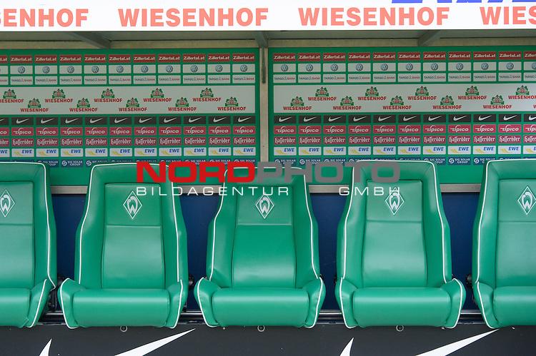 01.09.2012, Weser Stadion, Bremen, GER, 1.FBL, Werder Bremen vs Hamburger SV, im Bild<br /> Trainerbank Wiesenhof<br /> <br /> <br /> Foto &copy; nph / Kokenge *** Local Caption ***