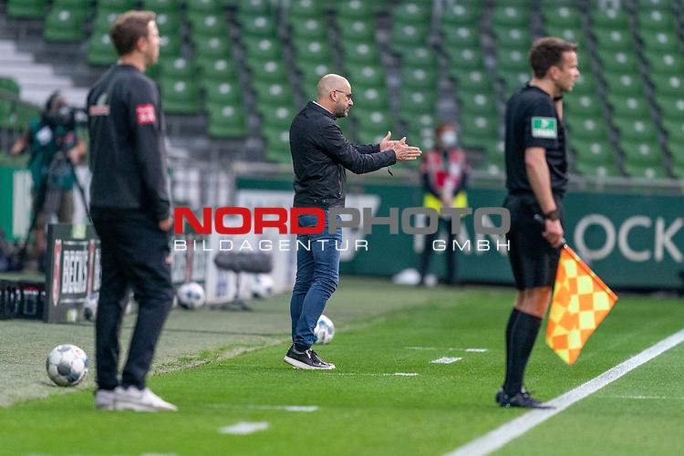Peter Bosz Trainer / Headcoach (Bayer 04 Leverkusen), re <br /> Florian Kohfeldt (Trainer SV Werder Bremen)<br /> <br /> Sport: Fussball: 1. Bundesliga: Saison 19/20: <br /> 26. Spieltag: SV Werder Bremen vs Bayer 04 Leverkusen, 18.05.2020<br /> <br /> Foto ©  gumzmedia / Nordphoto / Andreas Gumz / POOL <br /> <br /> Nur für journalistische Zwecke! Only for editorial use!<br />  DFL regulations prohibit any use of photographs as image sequences and/or quasi-video.