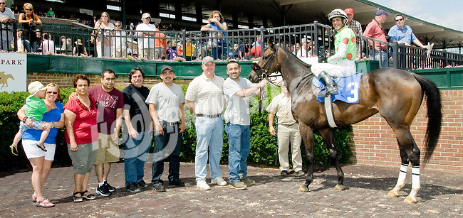 Lucky and Sweet winning at Delaware Park on 6/2/12