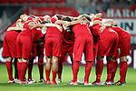 Nederland, Enschede, 30 augustus 2012.Europa League voorronde.FC Twente-Bursaspor (4-1).Spelers van FC Twente staan in een kring voor aanvang van de wedstrijd