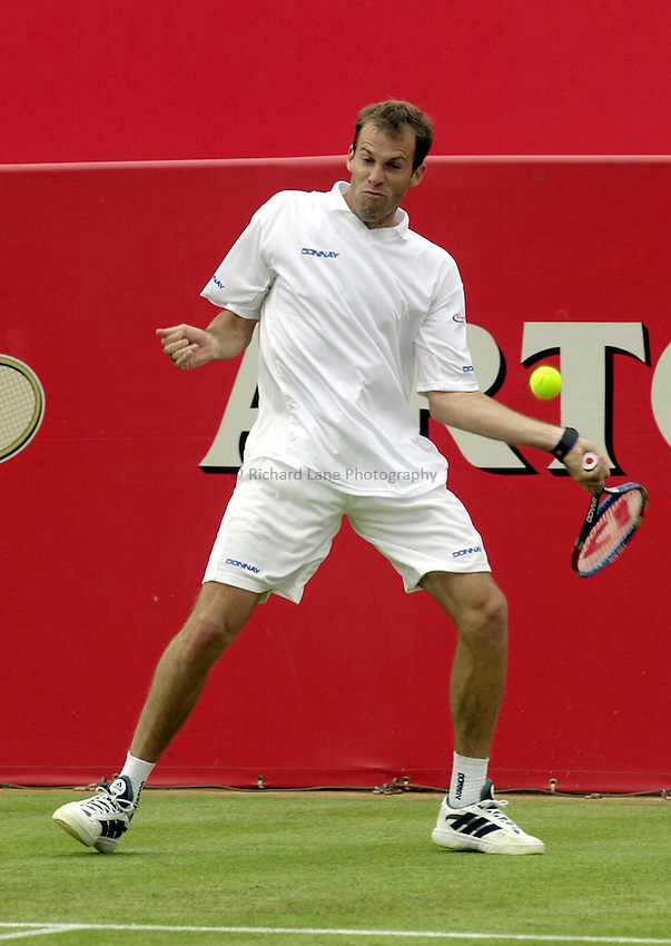 Photo:Ken Brown .11/06/2001. .Stella Artois Championship 2001 .Greg Rusedski in his match against Arvind Parmar
