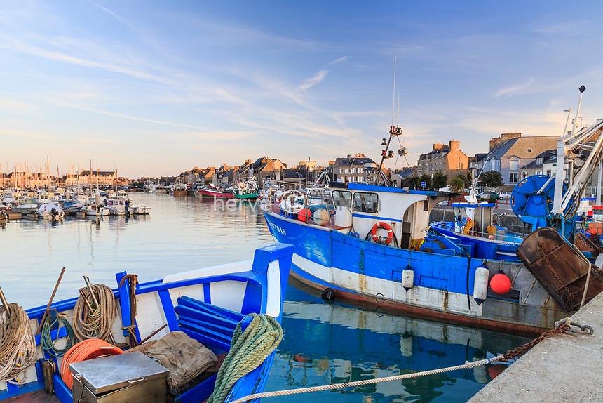 France, Manche (50), Cotentin, Saint-Vaast-la-Hougue, le port // France, Manche, Cotentin Peninsula, Saint Vaast la Hougue, the port