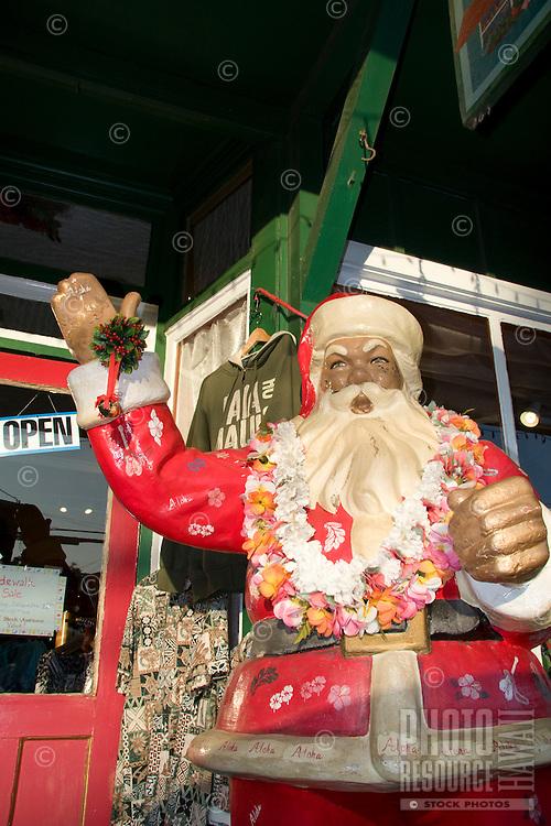Hawaiian Santa in downtown Pa'ia town. Maui.