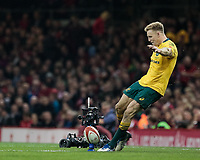 Australia's Reece Hodge kicks a long range penalty<br /> <br /> Photographer Simon King/CameraSport<br /> <br /> International Rugby Union - 2017 Under Armour Series Autumn Internationals - Wales v Australia - Saturday 11th November 2017 - Principality Stadium - Cardiff<br /> <br /> World Copyright &copy; 2017 CameraSport. All rights reserved. 43 Linden Ave. Countesthorpe. Leicester. England. LE8 5PG - Tel: +44 (0) 116 277 4147 - admin@camerasport.com - www.camerasport.com
