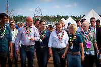 Prime ministers on their way through the camp. Photo: André Jörg/ Scouterna