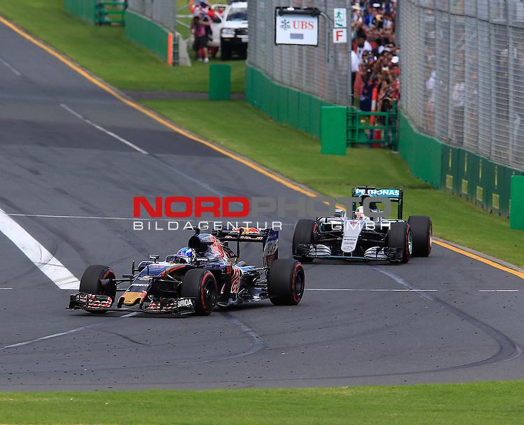 20.03.2016. Albert-Park-Circuit, Melbourne,  AUS, F1, Formula 1 Rolex Australien Grand Prix,  Race01 im Bild   <br /> Max Verstappen (NEL#33), Scuderia Toro Rosso,Lewis Hamilton (GB#44), Mercedes AMG Petronas Formula One Team<br /> <br /> <br /> Foto &copy; nordphoto /  Bratic