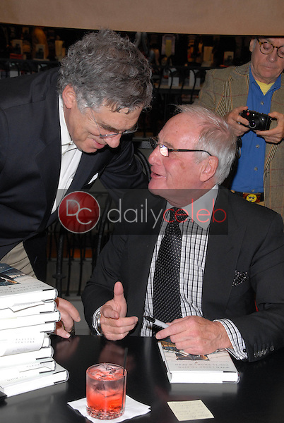 Elliott Gould and Jerry Weintraub<br />