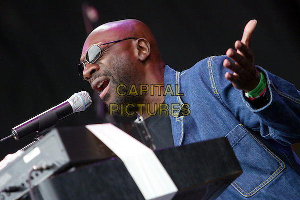 ISAAC HAYES.Glastonbury Festival 2002.Ref: 20020630.singing, stage, concert, sunglasses, shades.www.capitalpictures.com.sales@capitalpictures.com.© Capital Pictures