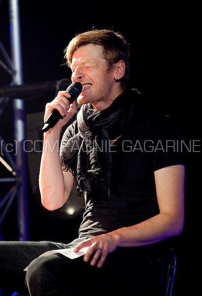Belgian musician Ozark Henry at the Radio 1 Sessies (Belgium, 15/10/2010)