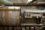 ROTTERDAM - In Rotterdam wordt naast het Centraal Station in een twintig meter diepe bouwput, de tunnelboormachine Pandora uit elkaar gehaald ter voorbereiding van het boren van de tweede tunnelbuis voor de Statentunnel, onderdeel van Randstadrail. Het 2,4 kilometer lange geboorde spoortraject begint bij Sint Franciscus Gasthuis naast de snelweg A20 en loopt via station Blijdorp naar het CS. De bouw van de twee 6,5 meter brede tunnelbuizen gaat ruim 150 miljoen euro kosten, en de eerste passagiers kunnen begin 2008 door de tunnel reizen. Combinatie Saturn is opgebouwd uit Dura Vermeer Groep en Ed. Zublin. COPYRIGHT TON BORSBOOM