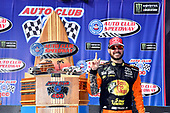 Martin Truex Jr., Furniture Row Racing, Toyota Camry Bass Pro Shops/5-hour ENERGY in victory lane