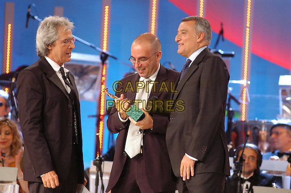 GIUSEPPE TORNATORE.David di Donatello Italian Awards at the Gran Teatro di Tor di Quinto, Rome, Italy, 14th June 2007..half length black suit award show on stage winner.CAP/CAV.©Luca Cavallari/Capital Pictures.