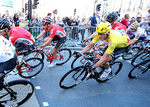 11.09.2016. London, England. Tour of Britain Cycling, Stage 8.  The London Finishing Stage. Steve Cummings of Team Dimension Data (Yellow Jersey) rides in the middle of the Peloton