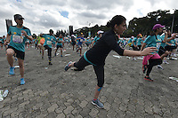 BOGOTÁ -COLOMBIA. 31-07-2016. BOGOTÁ -COLOMBIA. 31-07-2016: Aspecto de los participantes en la Media Maratón de Bogotá 2016. En esta ocasión Tadese Tola de Etiopia, en varones, fue el ganador con un tiempo de 1h 05m 16s, y en mujeres Purity Rionoripio de Kenia con un tiempo de 1h 11m 56s, / Aspect of the people during the Half Marathon of Bogota 2016. In this edition the winner was Tadese Tola of Ethiopia in men with a time of 1h 05m 16s, and in women the winner was Purity Rionoripio of Kenya with a time of 1h 11m 56s. Photo: VizzorImage/ Gabriel Aponte / Staff