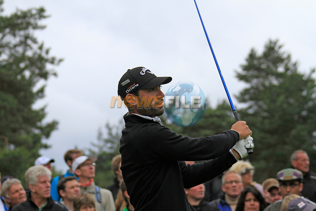 Alvaro Quiros (ESP) tees off on the 11th tee during Day 3 of the BMW PGA Championship Championship at, Wentworth Club, Surrey, England, 28th May 2011. (Photo Eoin Clarke/Golffile 2011)