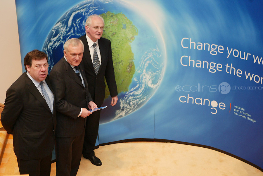 29/11/07.Minister Brian Cowen An Taoiseach, Mr. Bertie Ahern, T.D. with the Minister for the Environment, Heritage & Local Government Mr. John Gormley, T.D.  launching Ireland's Action Plan on Climate Change in Dublin today..Pic Colins Photos.