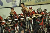 ATENÇÃO EDITOR: FOTO EMBARGADA PARA VEÍCULOS INTERNACIONAIS SÃO PAULO,SP,04 NOVEMBRO 2012 - CAMPEONATO BRASILEIRO - PORTUGUESA x BAHIA - Torcedores  da Portuguesa durante partida Portuguesa x Bahia válido pela 34º rodada do Campeonato Brasileiro no Estádio Doutor Osvaldo Teixeira Duarte (Canindé), na região norte da capital paulista na noite deste domingo (04).(FOTO: ALE VIANNA -BRAZIL PHOTO PRESS).