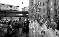 Roma 8 Dicembre 1991.Processione per la festa dell'Immacolata, al quartiere San Lorenzo.<br /> Rome,December 8, 1991<br /> Procession for the feast of the Immaculate Conception, to San Lorenzo district.