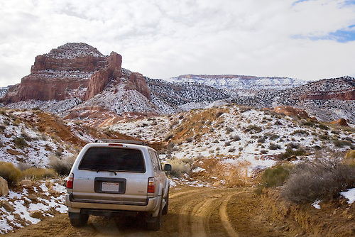 FOUR WHEELING THROUGH UTAH'S INFAMOUS HOLE IN THE ROCK ROAD IN THE WINTER NEAR ESCALANTE,UTAH