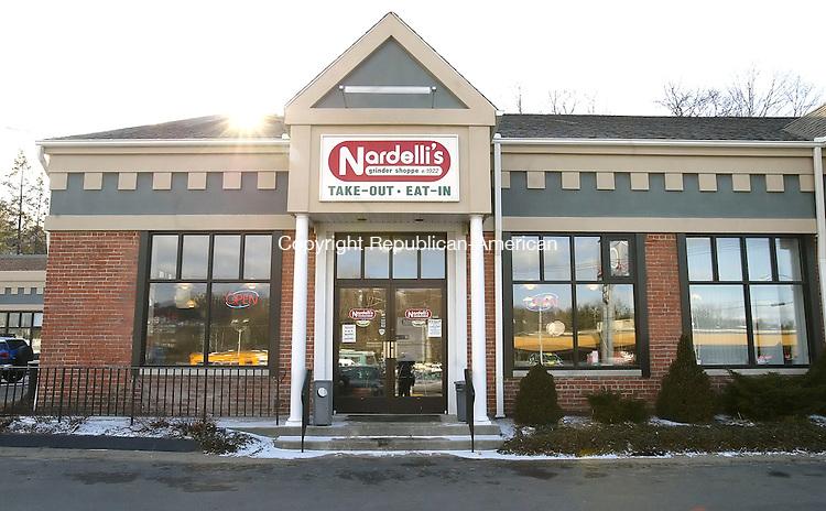 WATERBURY, CT, 03/07/07- 030707BZ04- Nardelli's Grinder Shoppe on Watertown Avenue.<br /> Jamison C. Bazinet Republican-American