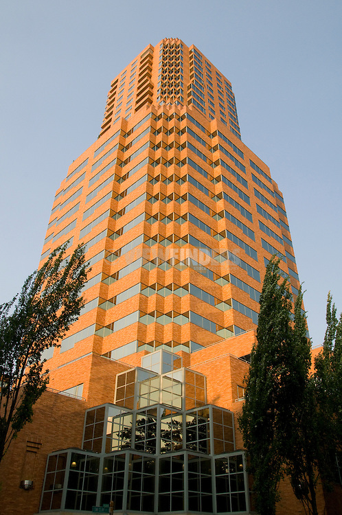 Exterior of the Koin Tower building, Portland, Oregon