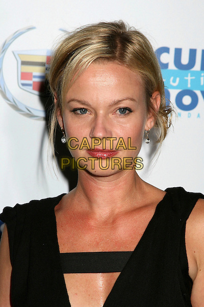 "SAMANTHA MATHIS.""Acts Of Love: Dreams"" to Benefit Cure Autism Now Foundation at the Geffen Playhouse, Westwood, California, USA..September 18th, 2006.Ref: ADM/BP.headshot portrait.www.capitalpictures.com.sales@capitalpictures.com.©Byron Purvis/AdMedia/Capital Pictures."