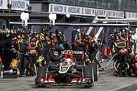 MELBOURNE, AUSTRALIA, 17 MARÇO 2013 - F1 - GP DA AUSTRALIA - O piloto frances Romain Grosjean, da Lotus durante o GP da Austrália, em Albert Park, Melbourne, neste domingo (17). (FOTO: PIXATHLON / BRAZIL PHOTO PRESS).