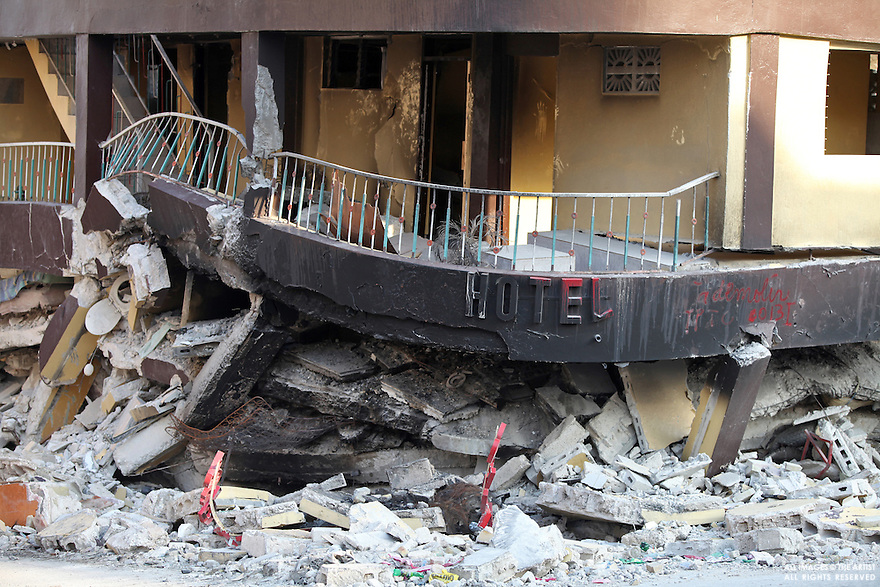 Hotel in Port-au-PRince haiti crushed by the earthquake