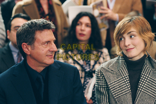 Daniel Auteuil & Julie Gayet.in My Best Friend (2006).(Mon meilleur ami).*Filmstill - Editorial Use Only*.CAP/NFS.Supplied by Capital Pictures.