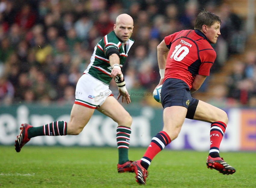 Photo: Rich Eaton...Leicester Tigers v Munster Rugby. Heineken Cup. 22/10/2006. Ronan O'Gara